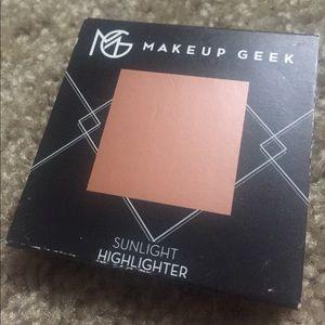 5/$50 Makeup Geek Highlighter